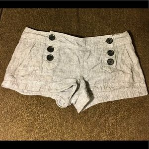 Express - Shorts